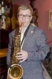 sassofonista, cocktail del gruppo di schiocco del musicista, Alexander Mazurov Immagine Stock