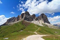 Sassolungo Montierung vom Fassa Tal Stockbild
