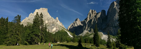 Sassolungo und Sassopiatto, Dolomit, Italien Stockbild