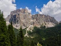 SassPordoi montering, Dolomites, Italien Royaltyfri Foto
