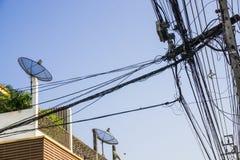 Satélite de comunicação no telhado Fotografia de Stock