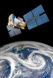 Satélite del espacio sobre la tierra del planeta Fotos de archivo libres de regalías