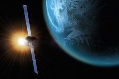 Satélite que está en órbita la tierra libre illustration