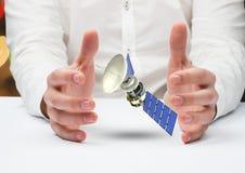 satelitarna słoneczna tafla pośrodku ilustracji