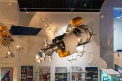 Satelitarni modułów szczegóły na pokazie wśrodku muzeum kosmonautyka Zdjęcia Royalty Free