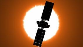 Satelitte bringt den Sun in Umlauf lizenzfreie abbildung