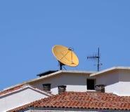 Satelliet antennetelevisie. Royalty-vrije Stock Afbeelding