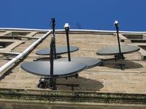 Satelliet benadrukte schotels stock afbeelding