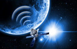 Satelliet in ruimte Stock Foto