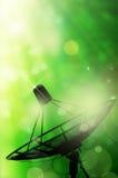 Satelliet schotelantennes en de abstracte lente Royalty-vrije Stock Foto's