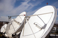 Satelliet schotels Royalty-vrije Stock Foto's