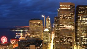 Satellietbeeld de horizon van van Seattle, Washington bij nacht royalty-vrije stock foto