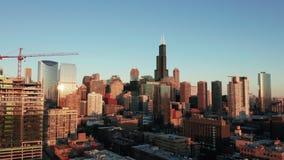 Satellietbeeld die tot 400 voet in Chicago van de binnenstad Illinois bewegen stock footage