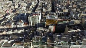 Satellietbeeld en hoogste mening van gebouwen en stadsstraten Rio de Janeiro-stad, Brazilië stock footage
