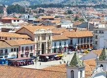 Satellietbeeld San Francisco Plaza, Cuenca, Ecuador stock foto