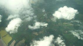 Satellietbeeld van één of ander mooi landschap met gele bloem blssom rond West-Sussex stock footage