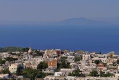 Satellietbeeld van Anacapri en de Middellandse Zee stock fotografie