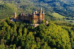 Satellietbeeld van beroemd Hohenzollern-Kasteel royalty-vrije stock fotografie