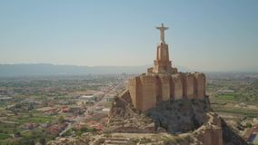 Satellietbeeld van Castillo DE Monteagudo, oud kasteel in Murcia, Spanje stock videobeelden