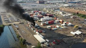 Satellietbeeld van Containerbrand Philadelphia Marine Terminal stock video