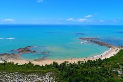 Satellietbeeld van Cumuruxatiba-strand, Prado, Bahia, Brazilië stock afbeeldingen