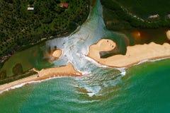 Satellietbeeld van Cumuruxatiba-strand, Prado, Bahia, Brazilië stock foto