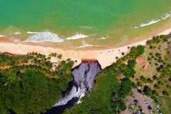 Satellietbeeld van Cumuruxatiba-strand, Prado, Bahia, Brazilië stock foto's