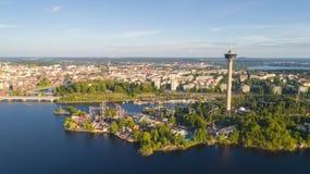 Satellietbeeld van de stad van Tampere De mooie Dag van de Zomer Blauwe hemel stock foto's