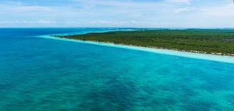 Satellietbeeld van de stranden bij Cubaanse noordelijke sleutels stock fotografie