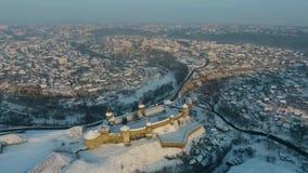 Satellietbeeld van de winter Oude Vesting in kamianets-Podilskyi, de Oekraïne stock videobeelden