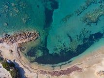 Satellietbeeld van een strand in Attica, Griekenland stock afbeeldingen