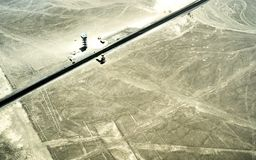 Satellietbeeld van geoglyphlijnen in Nazca-woestijn - Reisconcept met exclusieve bestemming in Peru - Aardwonder in Zuid-Amerika royalty-vrije stock foto