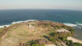 Satellietbeeld van het het eiland en strand van Nusa Dua in Bali stock videobeelden
