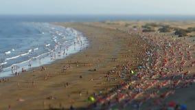 Satellietbeeld van het Engelse Strand, Canarische Eilanden Tijdtijdspanne, schuine stand-Verschuiving effect stock footage
