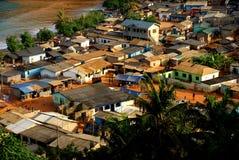Satellietbeeld van het kleine visserijdorp 'Butre 'in Ghana, 2018 stock afbeeldingen