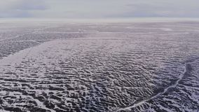 Satellietbeeld van het landschap van het de winterijs op meer Baikal stock videobeelden
