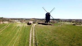 Satellietbeeld van Historische Deense Windmolen stock video