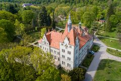 Satellietbeeld van kasteel-paleis van de Telling Schonborn in Zakarpattia, de Oekra?ne stock foto