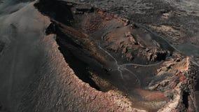 Satellietbeeld van Krater op Eiland Lanzarote Canarische Eilanden stock footage