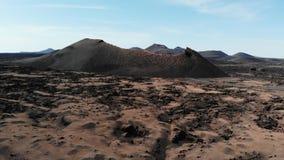 Satellietbeeld van Krater op Eiland Lanzarote Canarische Eilanden stock video