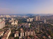 Satellietbeeld van Kuala Lumpur Downtown, Maleisië Woonhuizendistrict in stedelijke stad in Azië Gebouwen bij middag stock fotografie