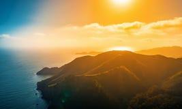 Satellietbeeld van Marin Headlands bij zonsondergang stock foto