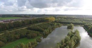 Satellietbeeld van meer in het park, Zwijndrecht, Nederland stock video