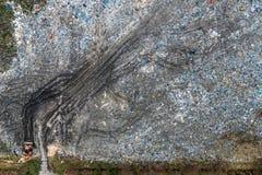 Satellietbeeld van open stevig afvalstortplaats, Verontreiniging van afval royalty-vrije stock afbeeldingen