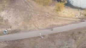 Satellietbeeld van pijnboom-vergankelijk bos in de vroege lente stock footage