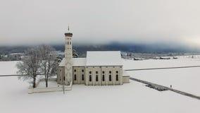 Satellietbeeld van St Coloman Kerk in Zuidelijk Duitsland stock videobeelden
