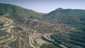 Satellietbeeld van terrasvormige boomgaarden in het gebied van Murcia van Spanje stock footage