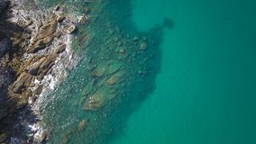 Satellietbeeld van transparante ondiep water en overzeese oceaan royalty-vrije stock foto's