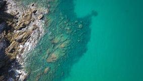 Satellietbeeld van transparante ondiep water en overzeese oceaan royalty-vrije stock foto