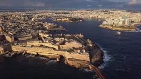 Satellietbeeld van Valletta, Malta stock video